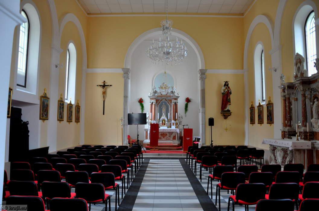 Church Of St. Valentine   Interior