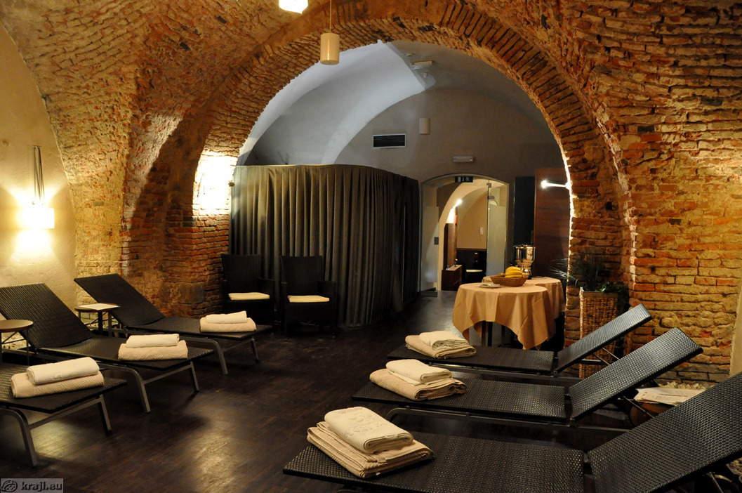 Hotel mitra wellness salon venera for Wellness hotel